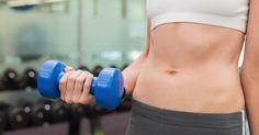 Mesmo quem se mantém firme na dieta e disciplinada na rotina de exercícios sabe como é difícil mandar embora aquela gordura da barriga. De fato, a região do abdômen não é tão simples de ser definida, mas o processo pode ser turbinado com passos bem simples. Siga essas 7 dicas básicas se você quiser perder a