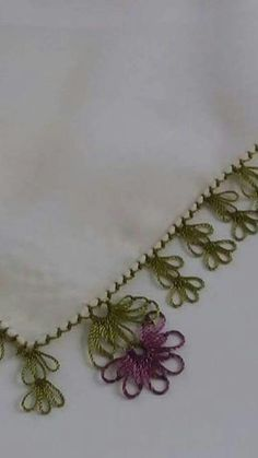 This Pin was discovered by Tuğ Needle Tatting, Needle Lace, Bobbin Lace, Needlepoint Patterns, Cross Stitch Patterns, Crochet Unique, Chicken Scratch Embroidery, American Girl Crafts, Point Lace