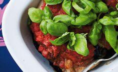 Koteletter og aubergine i fad