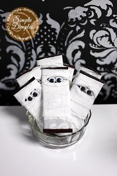 Mummy bars - perfect Halloween treat to send to school!