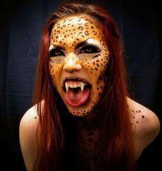 maquillage Halloween femme avec un visage léopard