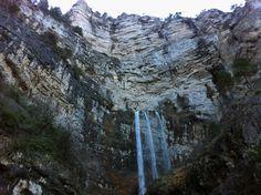 La Cascada del Nacimiento del Río MundoenRiópar ubicado en elmunicipio castellano de la Sierra de Alcaraz, provincia de Albacete, España.