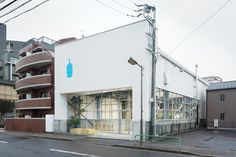 Gallery of Blue Bottle Coffee Kiyosumi-Shirakawa Roastery & Cafe / Schemata Architects - 3