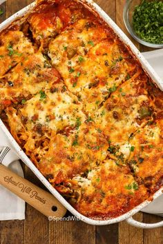 Baked Spaghetti is a favorite casserole around here! A quick zesty meat sauce is combined with tomatoes and spaghetti and topped with cheese. This spaghetti casserole is baked in the oven until hot and bubbly. Easy Baked Spaghetti, Baked Spaghetti Casserole, Spaghetti Noodles, Spaghetti Bake, Hamburger Casserole With Noodles, Baked Spaghetti Recipes, Baked Spaghetti And Meatballs, Baked Spaghetti Squash, Homemade Spaghetti
