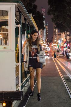 Black rock band cold shoulder t-shirt-dress+black ankle boots+ivory knit cardigan+silver chain crossbody bag. Fall Outfits, Summer Outfits, Fashion Outfits, Casual Evening Outfits, Ladies Fashion, Fall Fashion, Fashion Trends, Rock Bands, San Francisco Photography