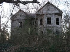 Abandoned house near Sleeper Missouri in rural Laclede county. I have seen many of these old abandoned houses traveling through Missouri Abandoned Buildings, Abandoned Farm Houses, Old Farm Houses, Abandoned Mansions, Old Buildings, Abandoned Places, Abandoned Castles, Ghost House, Spooky House