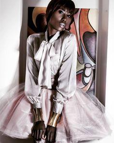 Happy Sunday World! Hello Sunday, Happy Sunday, African Girl, Beautiful Women, Elegant, Celebrities, Instagram Posts, Fashion Design, Beauty