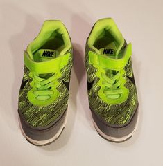 0a63f46bd1686 Nike Boys Lime Green  amp  Gray Athletic Shoes Sz 13 C