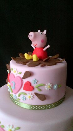 Peppa Pig cake for my colleague's lovely little girl. Its a vanilla sponge but I'm sure Peppa would have preferred chocolate mud cake! ;-)
