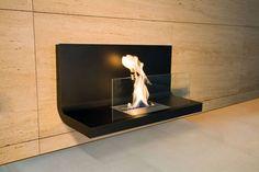 我が家にぴったりのモダン暖炉コレクション #homify #ホーミファイ #暖炉 #モダン #ハイテク Radius Design の 暖炉&アクセサリー WALL FLAME 1