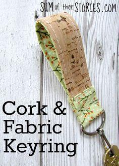 cork fabric crafts Schlsselanhnger aus Kork und Stoff Source by chrissysmed Diy And Crafts Sewing, Diy Sewing Projects, Sewing Hacks, Sewing Diy, Diy Crafts, Easy Projects, Cork Fabric, Fabric Bags, Fabric Scraps