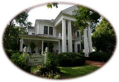Antebellum Inn, Milledgeville GA. Been there. Magnificiant place to stay.