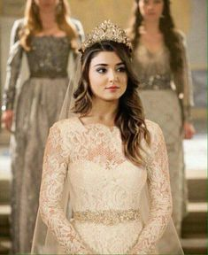 GetPics: (Hande Ercel) Cute Hayat Full Biography And Best Photos Turkish Women Beautiful, Turkish Beauty, Beautiful Girl Image, Beautiful Hijab, Most Beautiful Women, Stylish Girls Photos, Stylish Girl Pic, Girl Photos, Beauty Full Girl