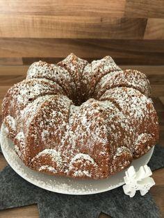 """""""Spekulatius buttermilk ring cake with chocolate""""- """"Spekulatius-Buttermilch-Gugelhupf mit Schokolade"""" """"Speculoos Buttermilk Gugelhupf with Chocolate"""""""