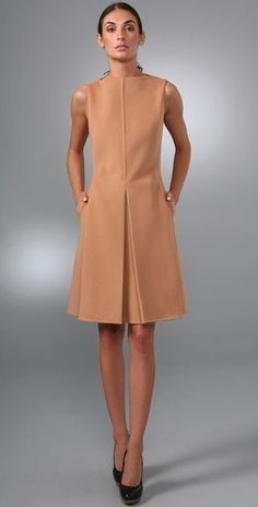 Nadire Atas on Tres Chic Shift dress, nude, sleeveless Fall Dresses, Simple Dresses, Beautiful Dresses, Dresses For Work, Work Fashion, Fashion Design, Color Fashion, 50 Fashion, Fashion Bloggers