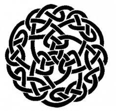 Nós Celtas-Existem poucas informações à respeito dos nós e de sua exata simbologia de acordo com cada tipo de dobradura. Mas o que pode concluir a partir do que se tem é que os celtas exprimiam com este tipo de desenho a idéia de que tudo está ligado, amarrado e de forma simbiótica, a evolução de todos se dá de forma conjunta.  É um símbolo da igualdade de essências e da interconexão de toda a vida (como vindo de uma coisa só).