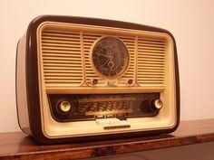 Antica Radio Telefunken Jubilate UHR Watch Alarm Clock Tube Radio Tuberadio TOP | eBay