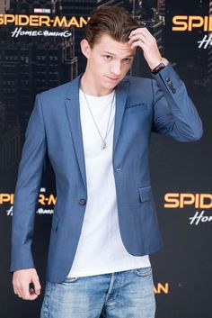 Tom Holland and Zendaya stepped out at a photo call for the upcoming film Spider-Man: Homecoming on June 14 at Villa Magna Hotel in Madrid, Spain.- 「スパイダーマン : ホームカミング」のスペインでの宣伝イベントのゼンデイヤとトム・ホランド - 映画 エンタメ セレブ & テレビ の 情報 ニュース from CIA Movie News / CIA こちら映画中央情報局です