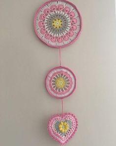 Doily Dream Catchers, Crochet Wall Hangings, Crochet Mandala, Crochet Designs, Doilies, Ideas, Filter, Decorating Ideas, Creativity