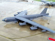 TOP 10 LARGEST MILITARY AIRPLANES - BOEING B-52 STRATOFORTRESS - #5