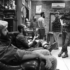B A R B E R S H O P @x_jack_the_ripper_x  @kicks.n.kush @rohbahrt @mr.michael75  #barber #barbershop #barberlife #barbier #classic #dapper #menstyle #hairstyle #gentlemen #classicstyle #beard #beards #bearded #beardgang #barba #beardsandtattoos #tattoos #tattoo #oldschool #vintage #0711 #stuttgart #stuttgartcity #bw #bnw #greek