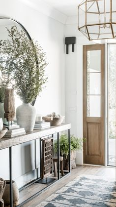 Entrance Hall Decor, House Entrance, Entryway Decor, Entryway Ideas, Entry Hall, Entryway Console Table, Front Entry, Entry Table With Mirror, Black Entryway Table
