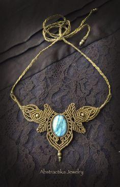 Macrame necklace - Tiara with labradorite gemstone. Woodlands, goddess jewelry, victorian, bohemian jewelry, earthy jewelry, micro-macrame