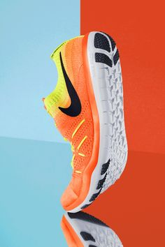 Ready for sets? The Nike Free TR Focus Flyknit Women's Training Shoe is geared up to hit the gym with you, with the flexibility you need for natural movement and the support and lockdown to keep you stable.