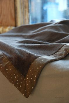El ropero de mi tía: Deux couvertures pour bébé  Première Etoile coloris Noix