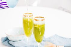Bubbly Friday: Matcharinha - The Daily Dose Flute, Tea Time, Champagne, Bubbles, Friday, Tableware, High Tea, Dinnerware, Flute Instrument
