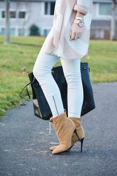 fall OOTD, camel booties, steve madden, chunky cardigan, gold jewelry, casual