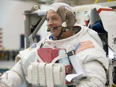 Astronaut Steve Swanson Preps for Spacewalk Training