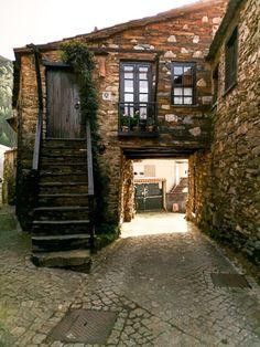 Portugal, Hidden Places, Places To Go, Travel Around The World, Around The Worlds, 3 Storey House, Dream Garden, Garden Planning, Interior Inspiration