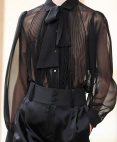 Givenchy Spring 2013 Ready-To-Wear Detai - Womens Fashion - Best Knitting Edgy Outfits, Cool Outfits, Fashion Outfits, Womens Fashion, Moda Medieval, Kleidung Design, Look Fashion, Fashion Design, Androgynous Fashion