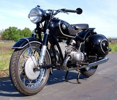 BMW R50 Bmw Vintage, Vintage Cafe Racer, Cool Motorcycles, Vintage Motorcycles, Scooters, Antique Bicycles, R80, Sidecar, Motorbikes