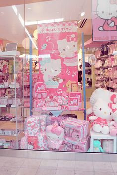 Hello Kitty Sanrio Store Window at Mall of America? I am 3 hours away from here and so will be going!!!