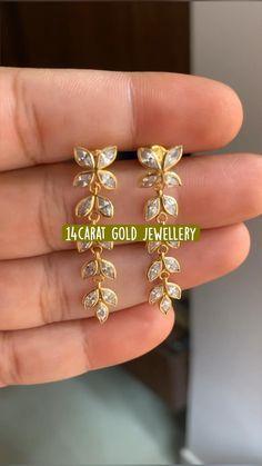 Gold Bangles Design, Gold Jewellery Design, Antique Jewellery Designs, Indian Gold Jewellery, Amrapali Jewellery, Jewelry Design Earrings, Gold Earrings Designs, Buy Earrings, Skull Jewelry