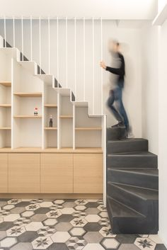 Plus Ultra studio, conversione duplex Milano Home Stairs Design, Interior Stairs, House Design, Stair Design, Stairs In Living Room, House Stairs, Stairway Storage, Staircase Railings, Under Stairs