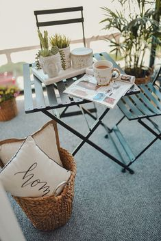 Summer balcondy decor ideas and inspiration featuring a lot of decor product and accessories via off-price retailer Gordmans. Chic Apartment Decor, Apartment Balcony Decorating, Apartment Balconies, Apartment Patio Gardens, Small Balcony Decor, Balcony Ideas, Terrace Decor, Bistro Decor, Balkon Design