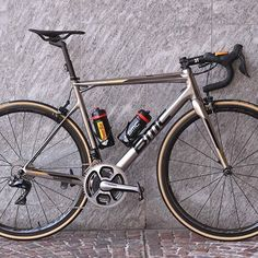 Greg Van Avermaet's new chrome BMCTeammachine just in time for MSR! @tdwsport