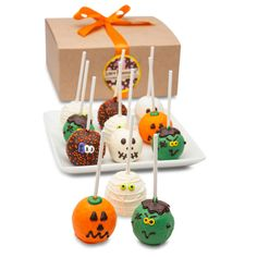 Spooky Truffle Cake Pop Gift Truffle Cake Pop Gift Hand crafted from the finest gourmet ingredients our Truffle Cake Stix are like no other- it's a gourmet experience that will have your mouth watering for more! Our Truffle Cakes are made Halloween Cake Pops, Halloween Favors, Halloween Buckets, Halloween Desserts, Halloween Season, Halloween 2020, Spooky Halloween, Halloween Treats, Halloween Party