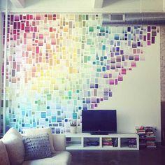 Hagalo usted mismo!   Increíble mural con muestras de pantones de  Pinturas.