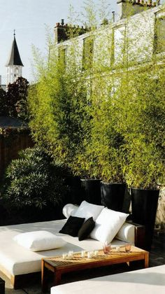 garten ideen - wieße und schwarze farben - Die besten Ideen für Terrassengestaltung – 69 super Beispiele