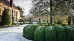 A Beautiful Life: Photo English Country Gardens, English Countryside, Formal Gardens, Outdoor Gardens, Landscape Design, Garden Design, Covered Garden, Farmhouse Garden, Gardening Books