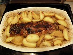 Kotikokista löydät ohjeet siihen, miten possun sisäfile uunissa valmistetaan. Reseptiä katsottu 227665 kertaa. Katso tämä ja sadat muut reseptit sivuiltamme! Pot Roast, Steak, Pork, Food And Drink, Chicken, Baking, Dinner, Ethnic Recipes, Motion