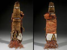 Сумка для табака, Сарси. Размеры: 53 х 13 х 3,5 см. Кожа, мех, ткань, дерево, бисер, когти, шитьё, пигмент. SARSI RESERVE, Альберта. Донор: Dr. Pliny E. Goddard, 1905 год. AMNH.