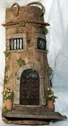 Oldie world looking decorated tile Clay Fairy House, Gnome House, Fairy Garden Houses, Diy Dollhouse, Dollhouse Miniatures, Clay Roof Tiles, Clay Fairies, Tile Crafts, Clay Houses