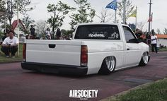nissan-d21-hardbody-bbs-rs-bagged-air-ride-stance-airsociety-004
