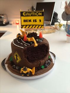 Construction cake topper could say Caution Axle is Yes very appropriate for him. Birthday Party Desserts, Happy Birthday Cakes, Birthday Cards, Macaroons, Engineering Cake, Cake For Husband, Truck Cakes, Food Decoration, Unique Cakes