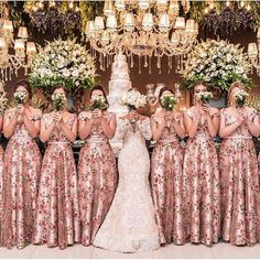 Bridal Party Photos With Flower Girl 18 Ideas Floral Bridesmaid Dresses, Modest Wedding Dresses, Elegant Wedding Dress, Wedding Party Dresses, Wedding Bridesmaids, Bridal Dresses, Wedding Motifs, Love Is In The Air, Wedding Designs